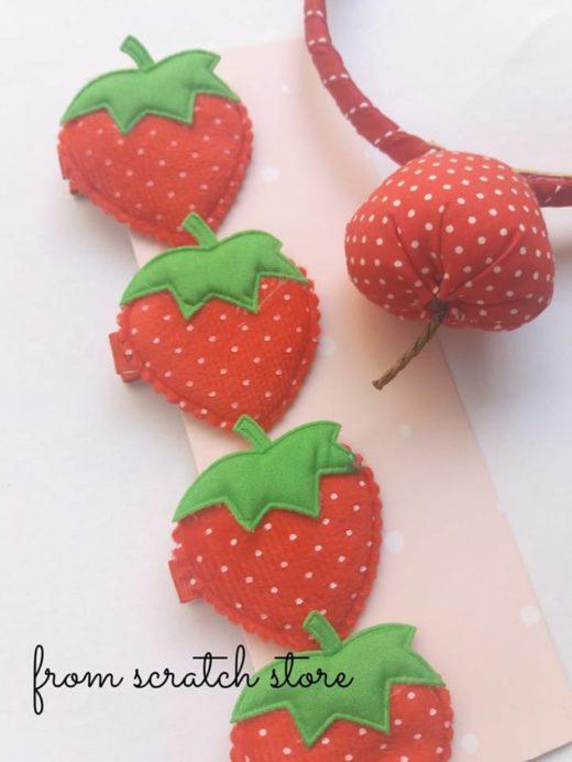 Παιδικό κλιπ μαλλιών φράουλα   From Scratch Store